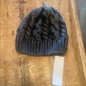 BNWT Urban Outfitters Grey Touque winter hat